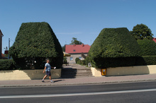 The access to the Commune Culture Centre in Kargowa is 'defended' by a specially trimmed hedge