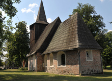 The shingled 16th-c. church in Kalsk, reconstructed in 1826