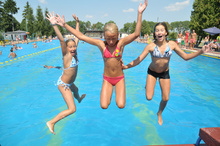 In the summertime, the outdoor swimming pool in Sulechów is frequented by  both adults and children