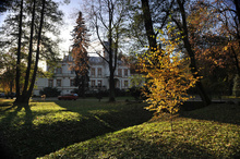 The palace in Przytok and the surrounding park retain their charm at any time of the year