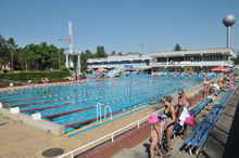 People from Zielona Góra and its surroundings readily use the outdoor swimming pool in the Regional Sports and Recreation Centre in Drzonków
